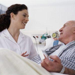 Уход за инвалидами и пожилыми после операции