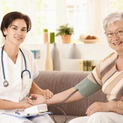 Уход за стариками в доме престарелых. Стоит ли доверять профессионалам?