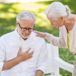 Первые признаки инсульта у пожилых людей