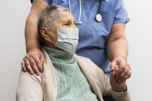 безопасность престарелых, cjvid-19, пандемия, смертность среди пожилых, астения