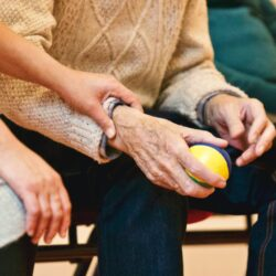 Невротизм напрямую связан с развитием болезни Паркинсона в старости