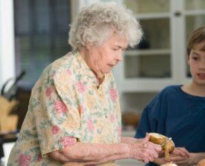 диета, питание у пожилых, онкология, артрит, жиры, грецкий орех, Жемчужина