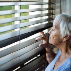 Депрессия и коронавирус — двойная угроза для престарелых украинцев, от которой защитит частный гериатрический пансионат